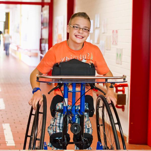 Stehtrainer Todd Kinder Sitz-, Geh- und Stehhilfen Reha Service